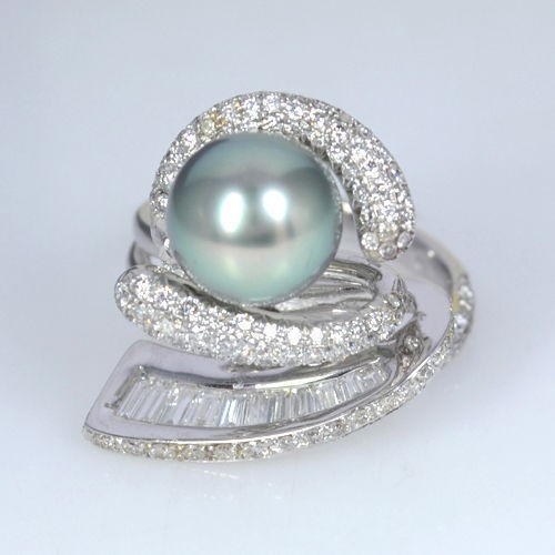 Platinum 900 Natural Pearl Diamond Baguettes Designer Cocktail Fine Jewelry Ring
