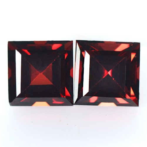 4.70 cts Natural Top Pyrope Red Garnet Loose Gems Square Cut Pair Mozambique 7mm