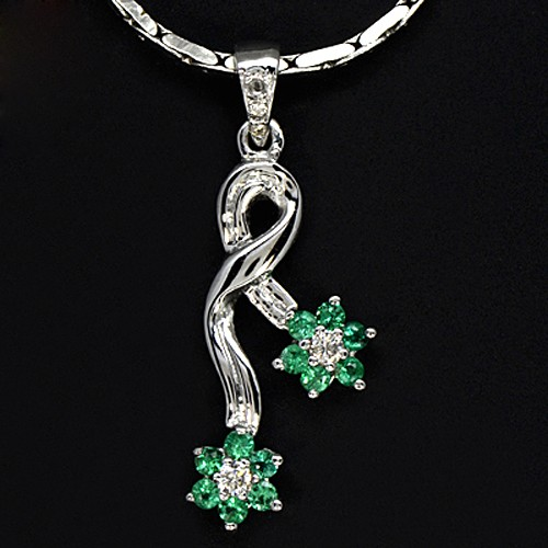 9k Pure Gold Natural  Emerald Diamond Ladies Pendant