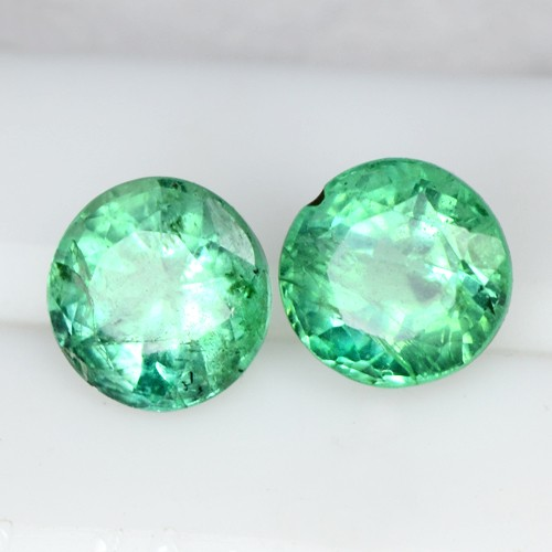 1.5 Cts Natural Emerald Green Loose Gemstone Round Cut pair Zambia 5.5 mm Lovely